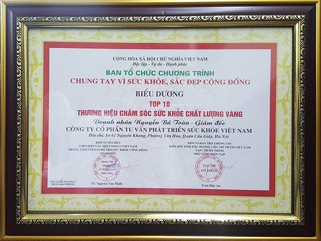 Bảng chứng nhận Top 10 thương hiệu chăm sóc sức khỏe chất lượng vàng 2016 cho công ty cổ phần tư vấn phát triển sức khỏe Việt Nam