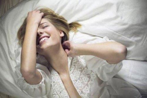 Tại sao lại lên đỉnh khi nằm ngủ mơ ?