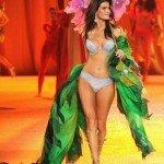 Victoria's Secret và buổi biểu diễn bikini hoành tráng