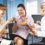 Dân văn phòng ăn kiêng để giảm cân