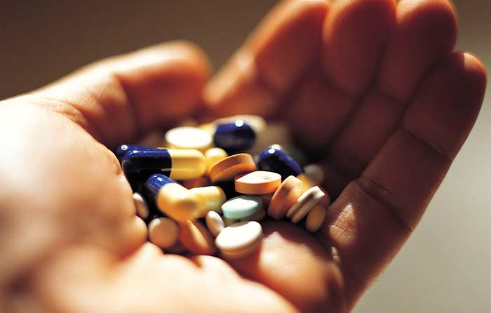 sử dụng thuốc cần theo hướng dẫn của bác sĩ