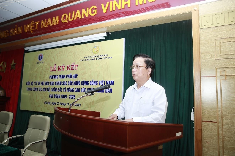 Nguyên ủy viên trung ương đảng, chủ tịch Hội GDCSSKCDVN Nguyễn Hồng Quân phát biểu tại buổi lễ