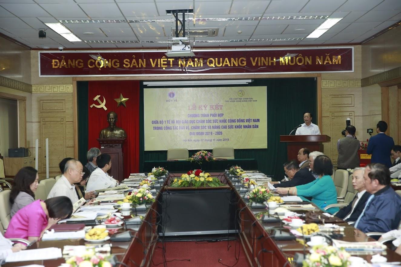 Lễ ký kết giữa Bộ Y Tế và Hội giáo dục chăm sóc sức khỏe cộng đồng Việt Nam diễn ra ấm cúng trong khuôn viên hội trường tại Bộ Y Tế